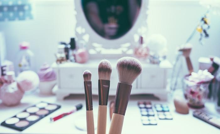 化粧崩れを防ぐメイク&スキンケアテク